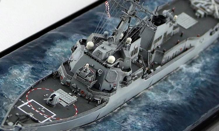 【舰船】新人报到:700拉森号